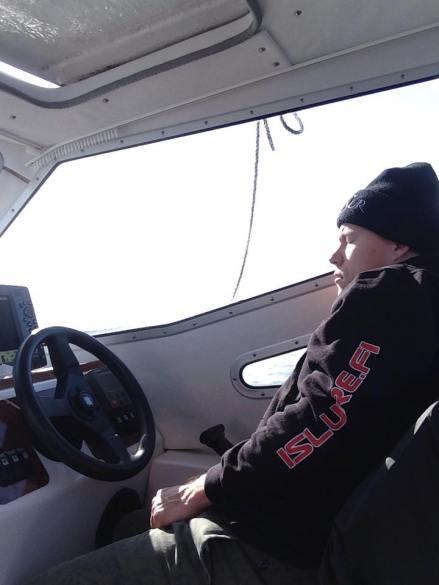 Antti torkkumassa ratissa